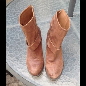 Lucky Brand tan distress ankle boots